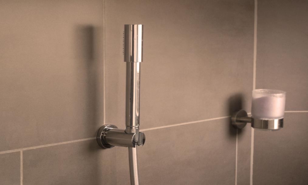 Moderne badkamer prive wellness Zeeuws Ontspannen Middelburg Zeeland